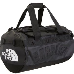 Supreme The North Face Base Camp Duffle Bag